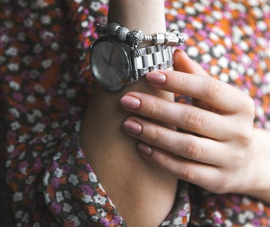Kaputte oder unschöne Fingernägel? 14 Tipps für gepflegte Nägel